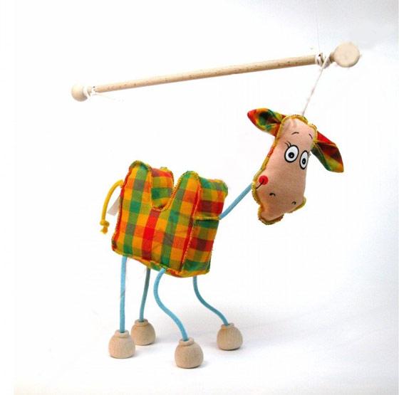 Camello marioneta titere