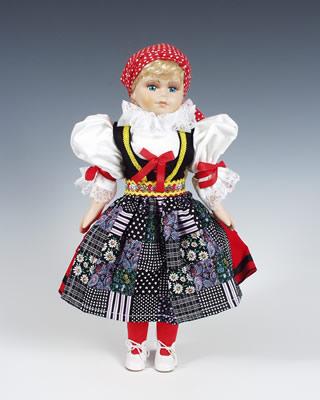 Cheb , muñeca  en trajes nacionales