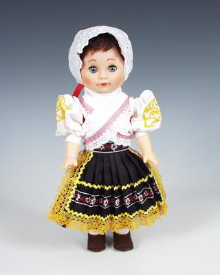 Detva muñeca en trajes nacionales