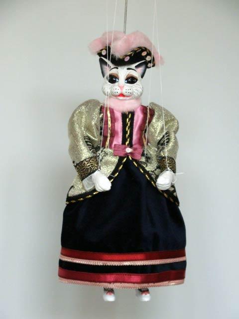 Gata marioneta titere