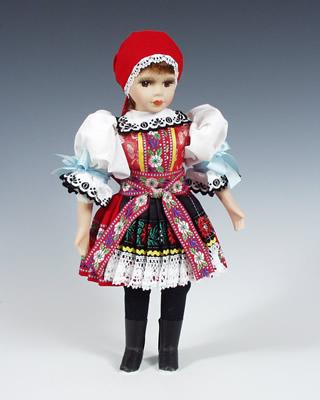 Kyjov , muñeca  en trajes nacionales