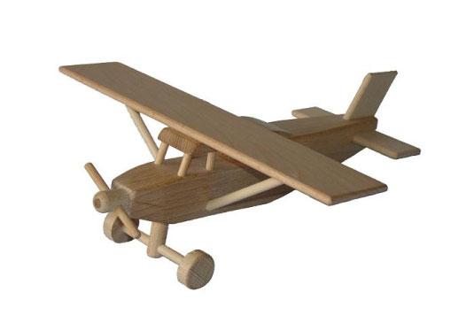 Avión Pilatus de madera
