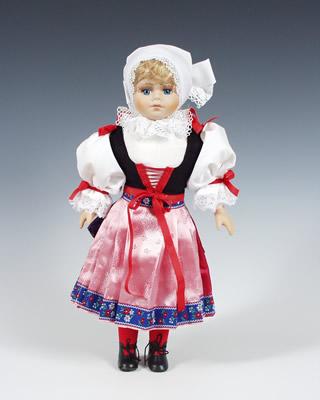 Plzen muñeca en trajes nacionales