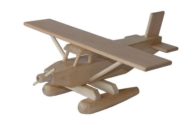 Hidroavión de madera