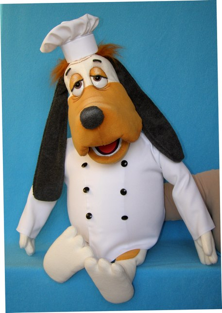 El perro títere de espuma