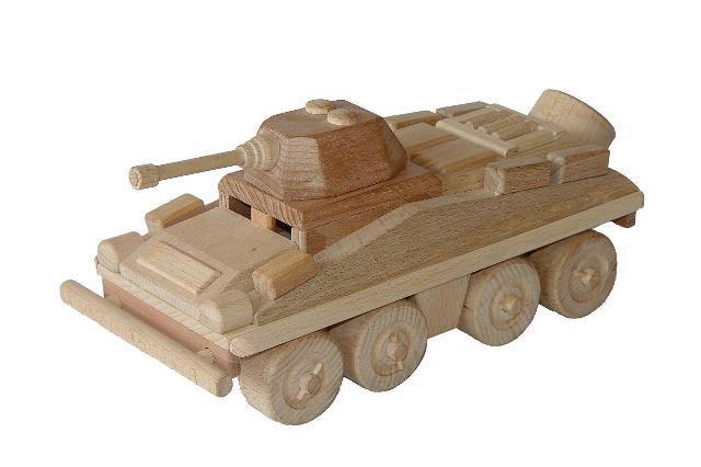 Transporte blindado de personal de madera