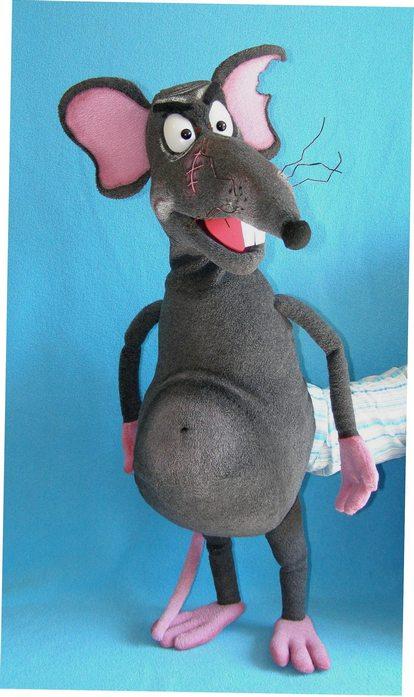 Rato títere de espuma