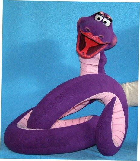 Serpiente títere de espuma